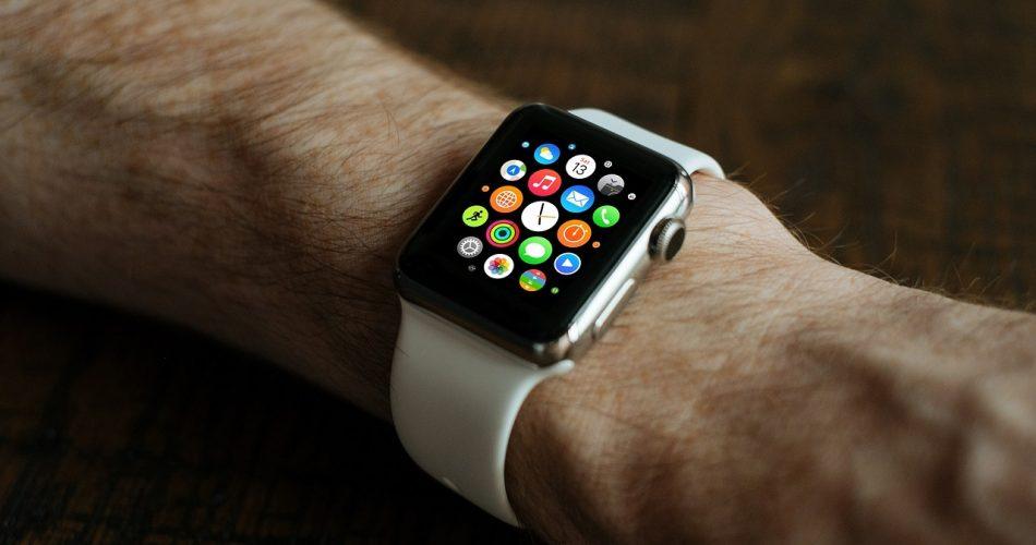 Cómo colocar el logotipo de Apple en la esfera del reloj