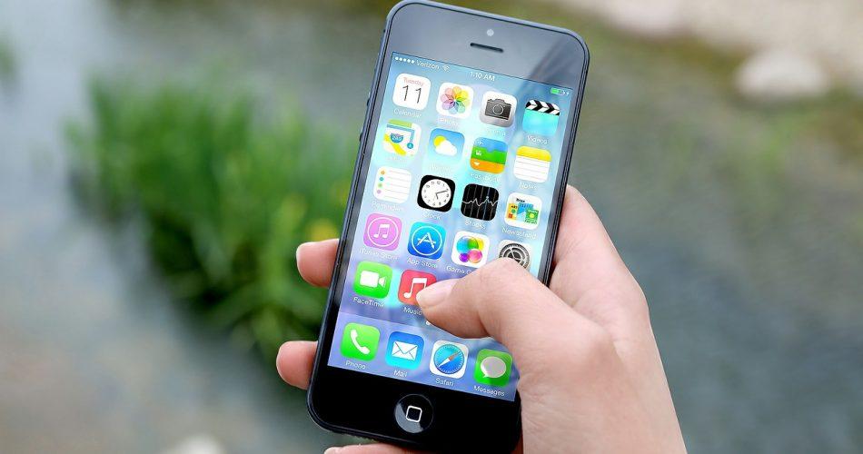 Cómo salir de las aplicaciones y abrir la barra de multitarea en el iPhone sin pulsar el botón Home (jailbreak)