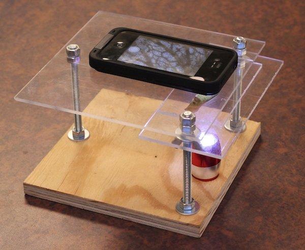 Cómo convertir un iPhone en un microscopio digital por 10 dólares