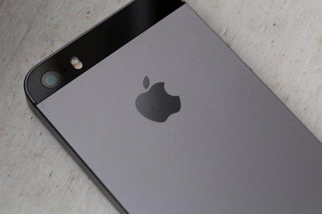 Cómo desempolvar la lente de la cámara del iPhone 5 (vídeo)