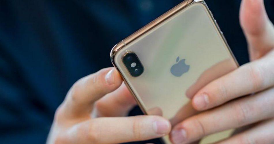 ¿Cómo se puede mejorar la autocorrección en iOS?
