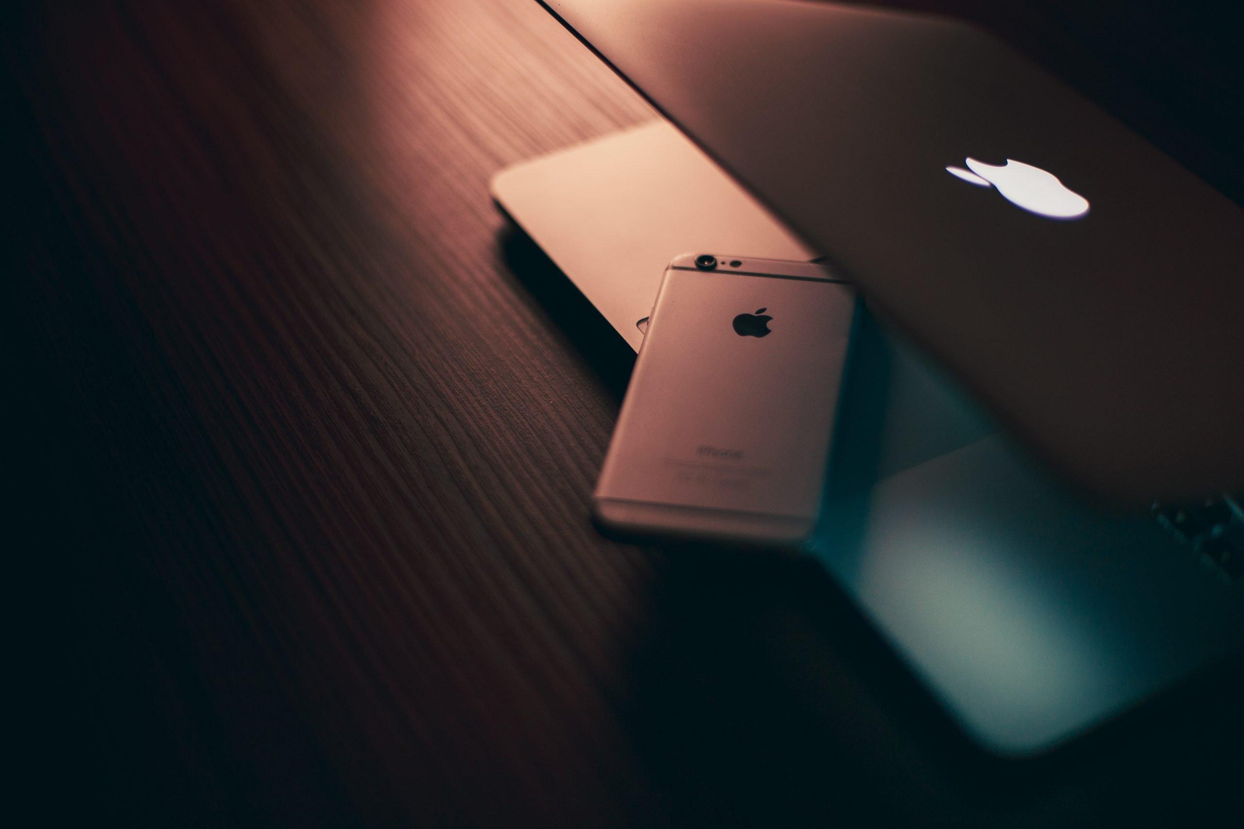 42% e adoleshentëve amerikanë tashmë posedojnë një iPhone, ndërsa 62% po mendojnë ta marrin atë