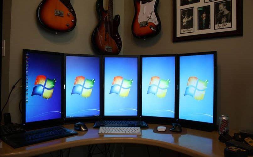 Cómo conectar varios monitores con Windows 11